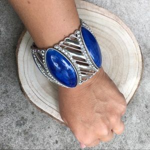 Stretchy blue and silver tone statement bracelet